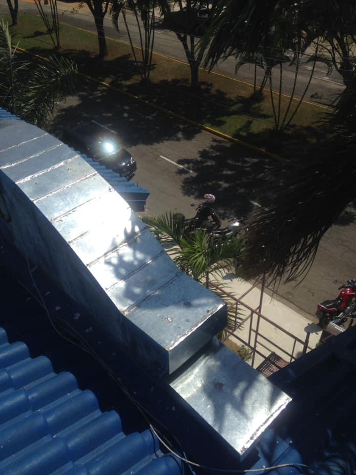 INSTALAÇÃO DE COIFAS E CALHAS NA VILA NOGUEIRA - SP