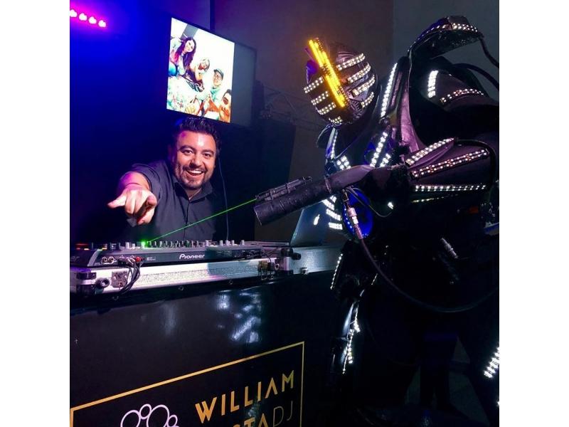 ILUMINAÇÃO PARA FESTAS EM SÃO ROQUE - DJ WILLIAM COSTA - SP