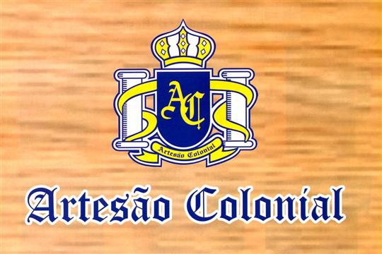 Móveis de Madeira Colonial